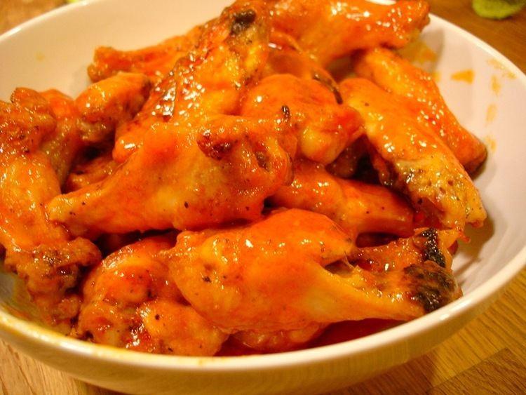 Buffalo wing httpsuploadwikimediaorgwikipediacommons88