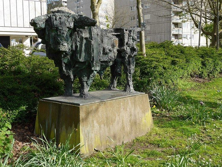 Bull (sculpture)