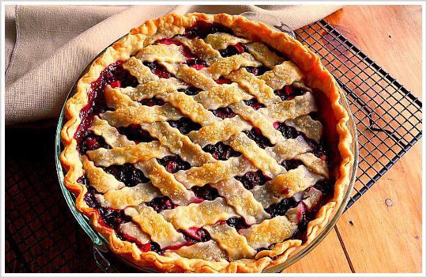 Bumbleberry pie Bumbleberry Pie Andrea Dekker