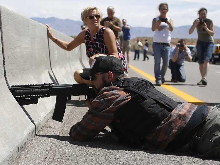 Bundy standoff FBI Investigating Bundy Supporters Who Pointed Guns At Federal