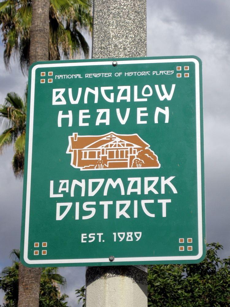 Bungalow Heaven, Pasadena, California httpsuploadwikimediaorgwikipediaen66aBun