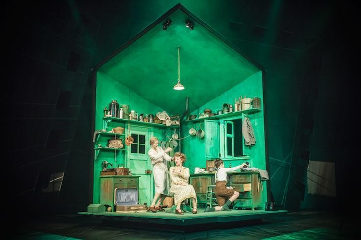 Bunny Christie Emil and the Detectives National Theatre Set design by