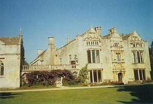 Burford Priory httpsuploadwikimediaorgwikipediacommonsthu