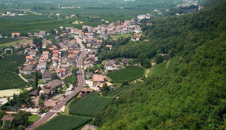 Burgstall, South Tyrol wwwmeranerlandorgimagescms754x435B4049burg