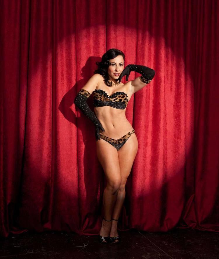 Burlesque Portrait Photography of the New Burlesque