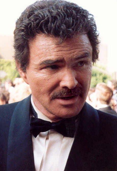 Burt Reynolds httpsuploadwikimediaorgwikipediacommonscc