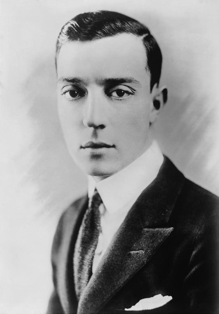 Buster Keaton httpsuploadwikimediaorgwikipediacommonscc