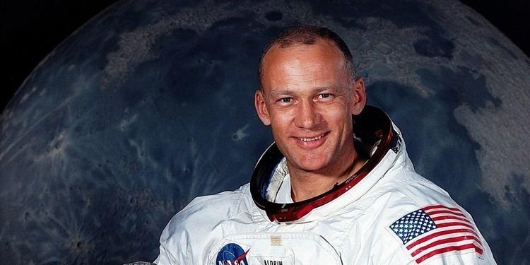 Buzz Aldrin Buzz Aldrin Reddit AMA Highlights UFOs Mars Colonies