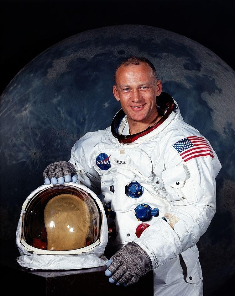 Buzz Aldrin Buzz Aldrin Wikipedia the free encyclopedia