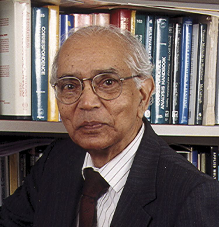 C. R. Rao CR Rao Receives the Royal Statistical Society39s Guy