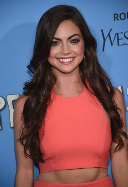 Caitlin Carver Caitlin Carver in Stars Attend the Paper Towns New York Premiere