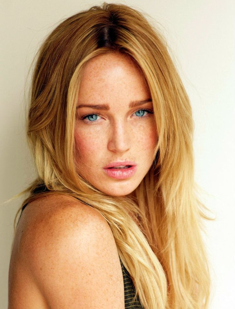 Caity Lotz Caity Lotz Celebs Girl celebrities and Actresses