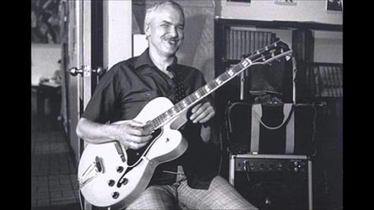 Cal Collins Cal Collins guitar Kenny Poole bass O Morro No Tem Vez YouTube