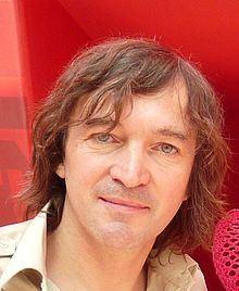 Cali (singer) httpsuploadwikimediaorgwikipediacommonsthu