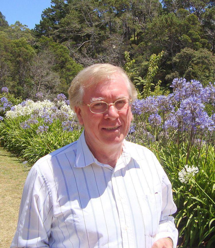 Cameron Gordon (mathematician) httpsuploadwikimediaorgwikipediacommonsthu