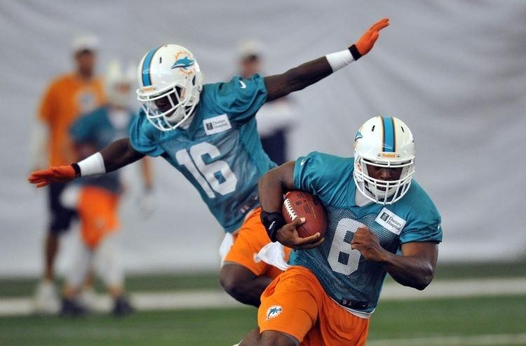 Cameron Marshall (gridiron football) Dolphins Part Ways With Cameron MarshallAgain