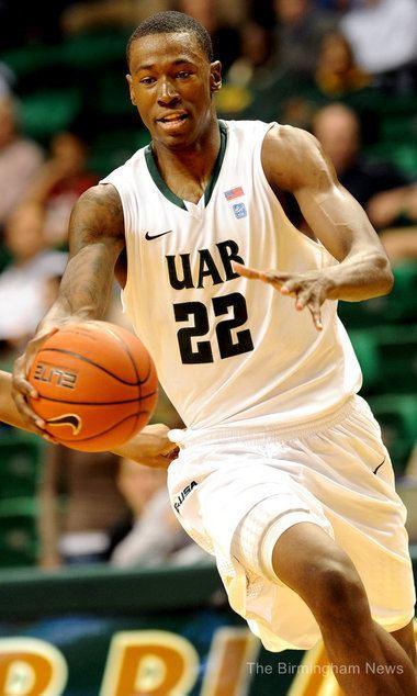 Cameron Moore (basketball) mediaalcombirminghamnewsphoto2011111028536