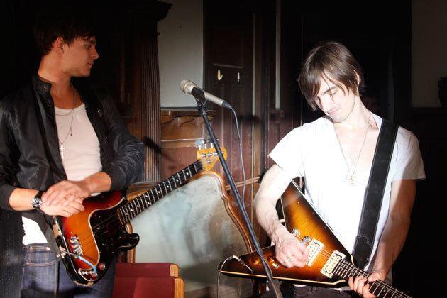 Cameron Muncey Gibson Interview Jet39s Cameron Muncey Talks Guitars