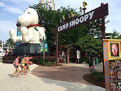 Camp Snoopy httpsuploadwikimediaorgwikipediacommonsthu
