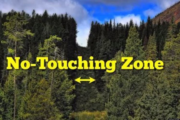 Canada–United States border CanadaUS Border Is More Bizarre Than You Thought VIDEO