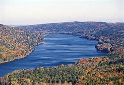 Canadice Lake httpsuploadwikimediaorgwikipediacommonsthu