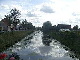 Canal de la Basse Colme httpsuploadwikimediaorgwikipediacommonsthu