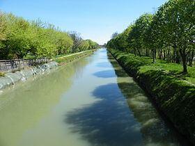 Canal de Montech httpsuploadwikimediaorgwikipediacommonsthu