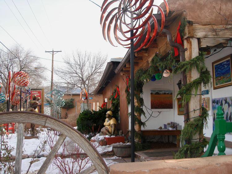 Canyon Road, Santa Fe, New Mexico FileCanyon Road in Santa Fe New Mexico USA 11jpg Wikimedia