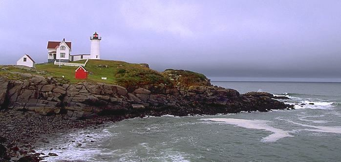 Cape Neddick, Maine lighthousegetawaycomlightsMEnubble2jpg