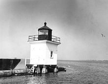 Cape Vincent Light httpsuploadwikimediaorgwikipediacommonsthu