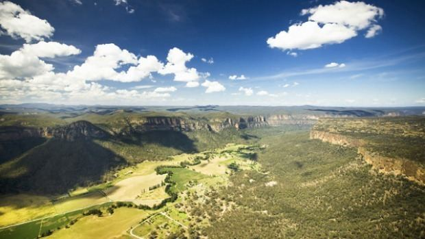 Capertee Valley Travel guide to Capertee Valley NSW A grand canyon all our own
