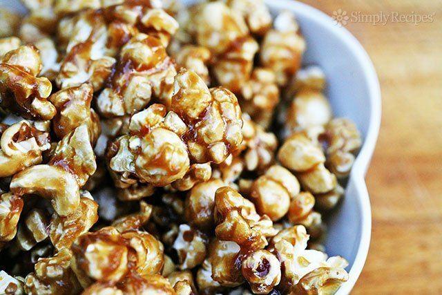 Caramel corn Caramel Corn Recipe SimplyRecipescom