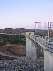 Carbon Canyon Dam httpsuploadwikimediaorgwikipediacommonsthu