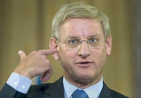 Carl Bildt Fail of The Day Carl Bildt Tweets Satire As Fact by