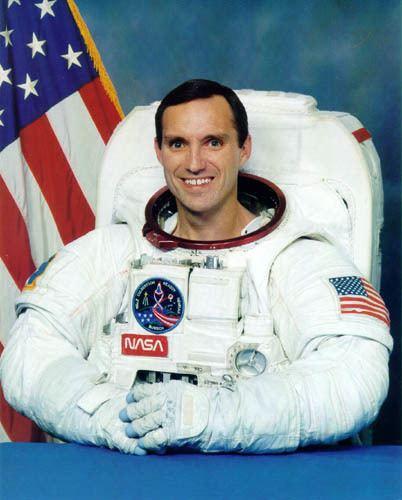 Carl E. Walz Astronaut Bio Carl E Walz 296