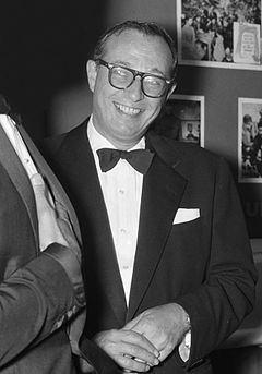 Carl Foreman httpsuploadwikimediaorgwikipediacommonsthu