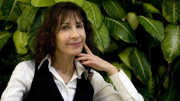 Carla Guelfenbein Recomendado quotContigo en la distanciaquot de Carla