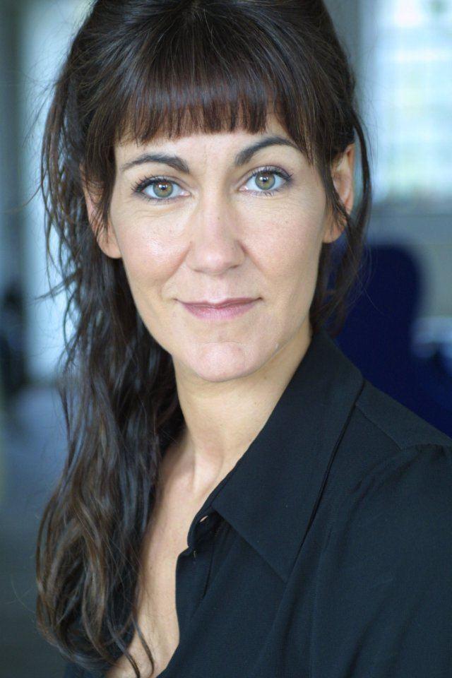Carla Mendonca wwwmagwebcompictsnm0579185jpg