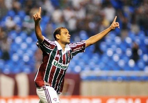 Carlinhos Sem ser procurado para renovar Carlinhos deixa o Fluminense