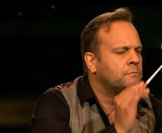 Carlo Boszhard Carlo Boszhard verrast met gevoelig optreden in Maestro Sterren