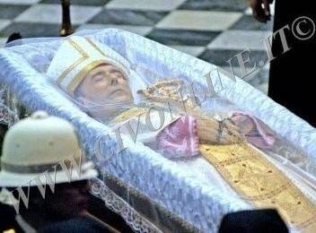 Carlo Chenis Oggi alle 1530 i funerali di Mons Carlo Chenis CRISTO SALVATORE