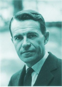 Carlo M. Cipolla wwweumednetcurseconeconomistascipollajpg