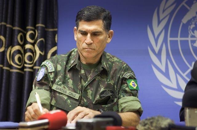 Carlos Alberto dos Santos Cruz General brasileiro diz ter estratgia para coibir rebeldes