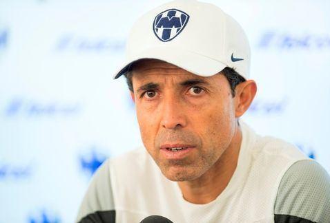 Carlos Barra Carlos Barra pidio a sus jugadores que no vean por
