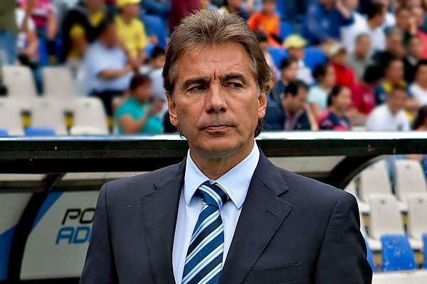Carlos de los Cobos Carlos de los Cobos se defiende ante denuncia Futbol
