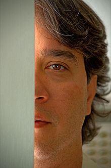 Carlos Luna (artist) httpsuploadwikimediaorgwikipediacommonsthu