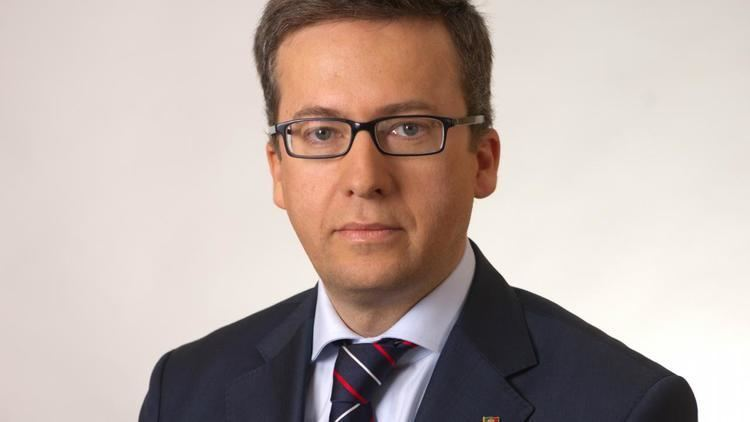Carlos Moedas Updated Former Portuguese banker gets top European research policy