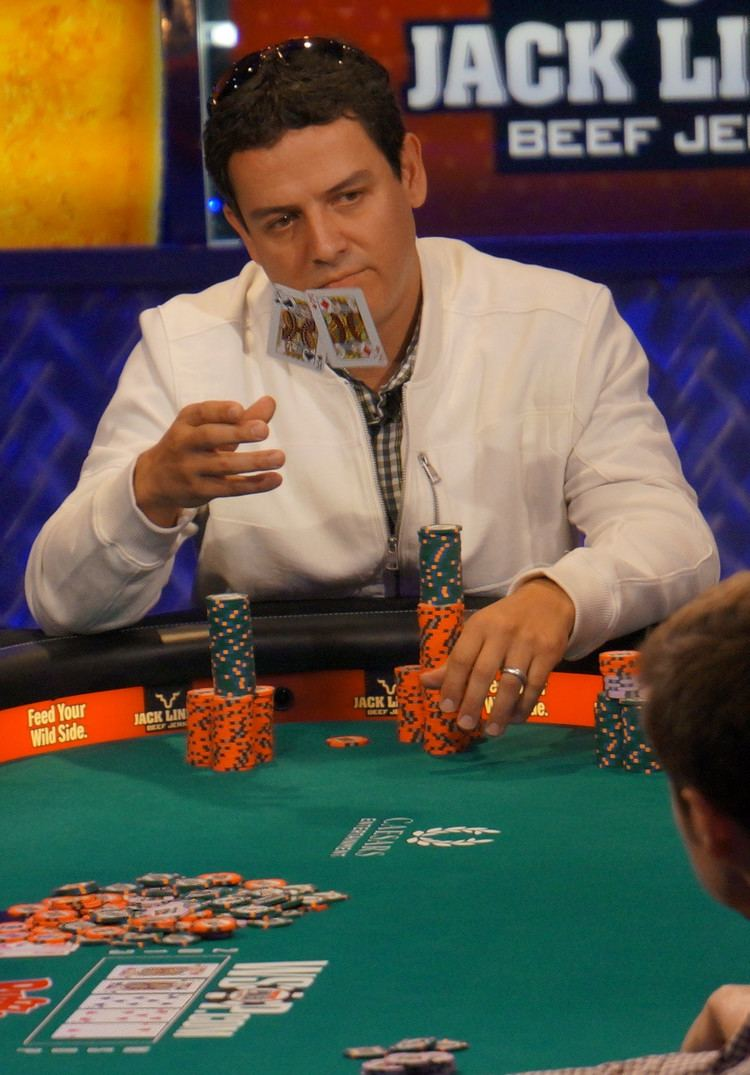 Carlos Mortensen Photo Carlos Mortensen mucks pocket kings on Day 6 of the