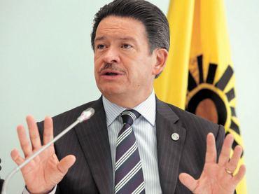 Carlos Navarrete Ruiz Carlos Navarrete buscar dirigir al PRD El Informador
