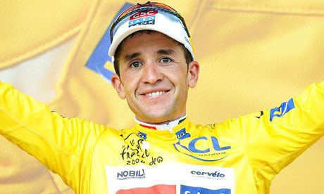 Carlos Sastre Sastre sees off rivals to set up first Tour triumph